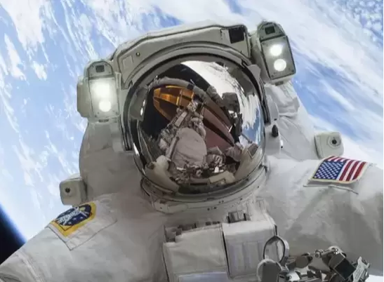 Space Flight Can Impair Eyesight, Study Finds